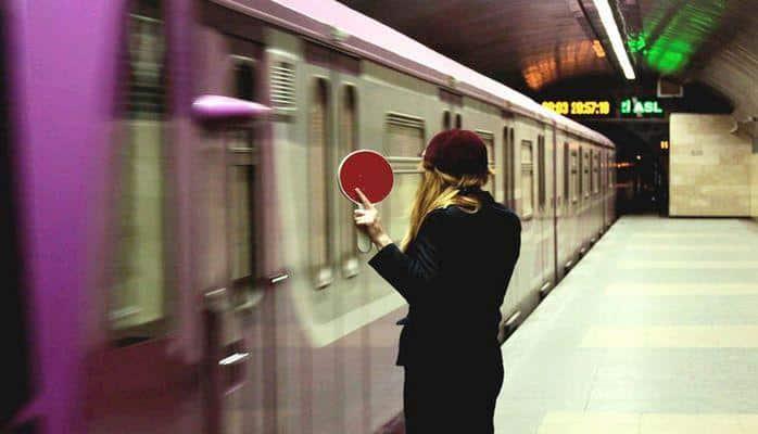 Metroda problem: qatarlar gecikdi
