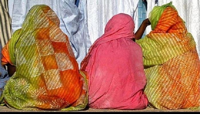 """Sudanlı qadınlar kökələrək """"gözəlləşməyə çalışır""""?"""