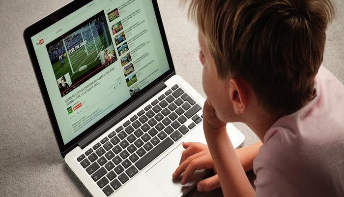 Azyaşlıların məlumatını oğurlayan Google və YouTube cərimələndi