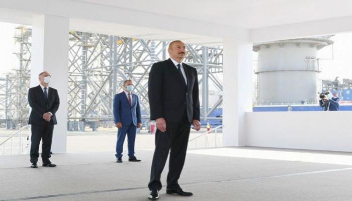 Президент Азербайджана: Сегодня основная часть экономики страны связана с нефтегазовым сектором, и так будет еще долгие годы