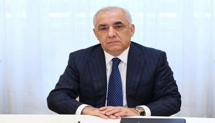Əli Əsədov İranın Birinci vitse-prezidenti ilə danışıb