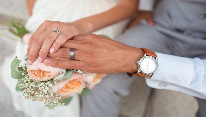 Hemşireler İle Evlenen Erkekler Neden Daha Mutlu?