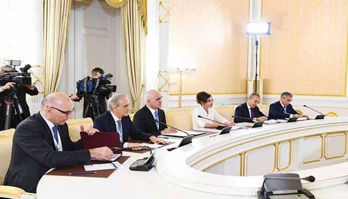 """Mehriban Əliyeva: """"Azərbaycanda rus dilinə böyük hörmətlə yanaşırlar"""""""