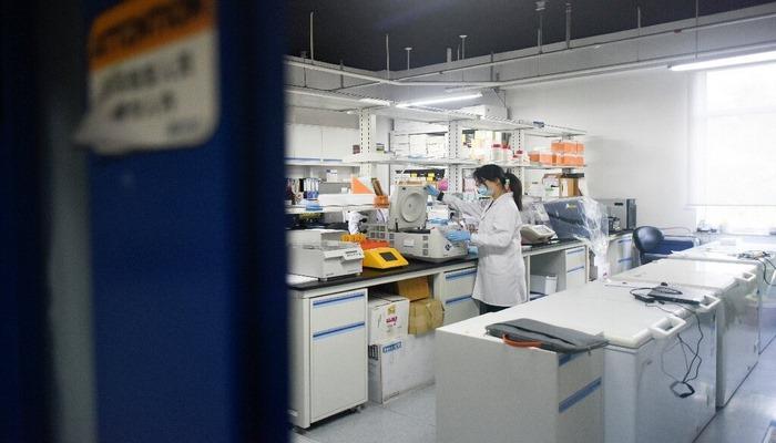 Победить без вакцины: китайские ученые рассказали о потенциальном средстве против Covid-19