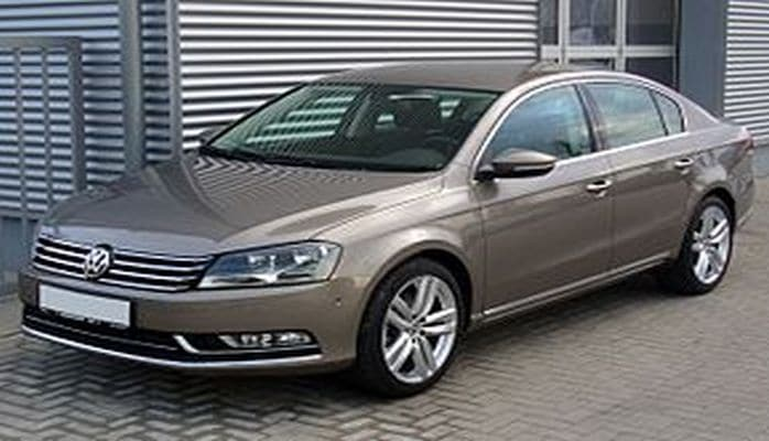 """Bir qrup azərbaycanlı """"Volkswagen""""i məhkəməyə verdi"""