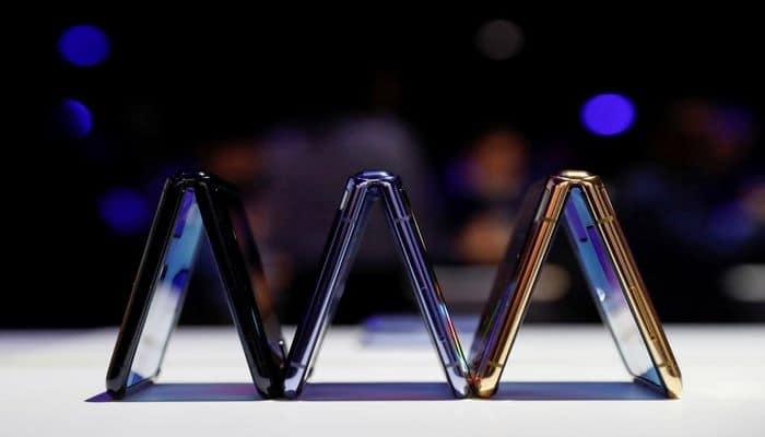 """""""Samsung"""" qatlanan ekranlı yeni smartfonunu təqdim etdi"""