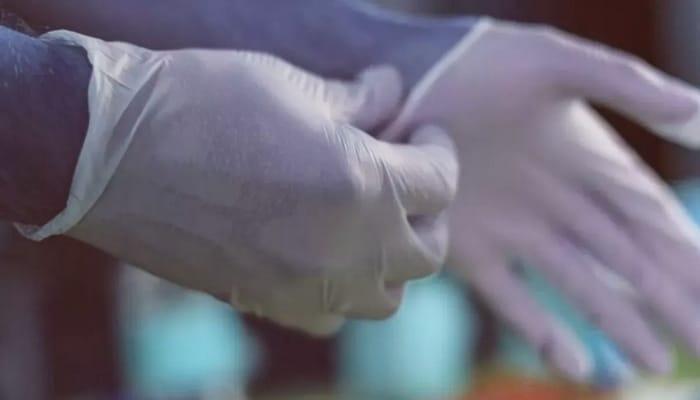 Uzmanlardan plastik eldiven uyarısı... Doğru kullanılmıyor, yalancı güven hissi veriyor