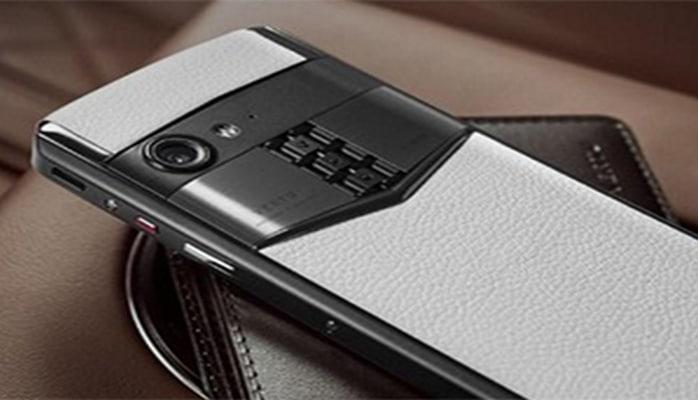"""""""Vertu"""" yeni smartfonunu təqdim edib"""