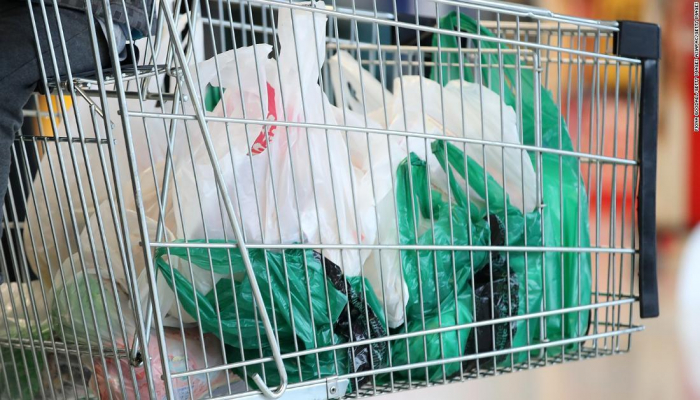 В Казахстане введут ограничение на использование полиэтиленовых пакетов