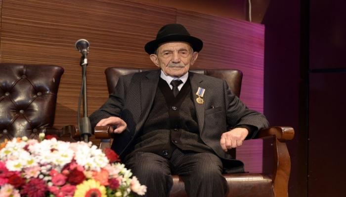 В Баку отметили 100-летие самого пожилого поэта в мире – секрет долголетия