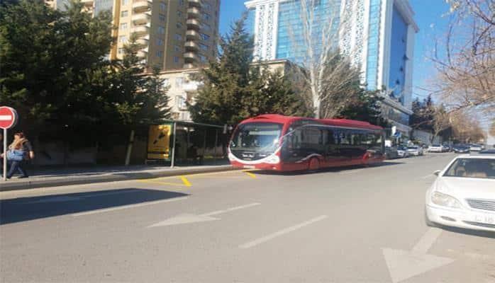 В Баку перенесены две автобусные остановки