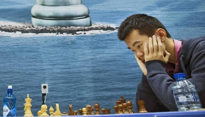Дин Лижэнь одержал победу в финале шахматного Гранд-тура