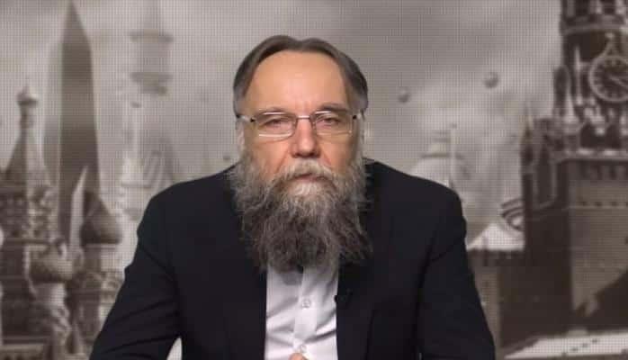 Aleksandr Duqin: Rusiyanın Ermənistana bir çox sualı var