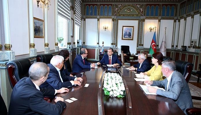 AMEA-nın prezidenti Bolqarıstanlı həmkarı ilə görüşüb