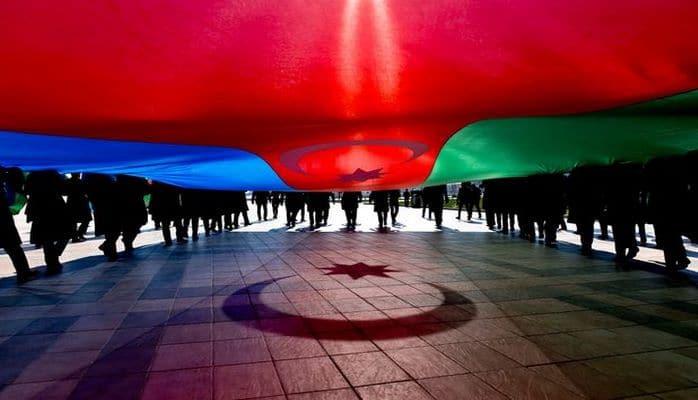 Azərbaycan Müstəqillik Gününü qeyd edir