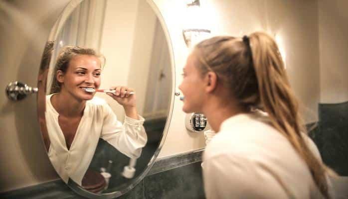 Уход за зубами препятствует развитию бессонницы