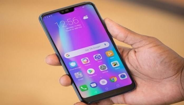 Honor 10 - gənclər üçün ideal smartfon