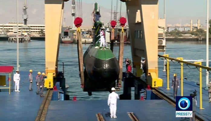 İran qanadlı raketlərlə silahlanmış sualtı qayığını nümayiş etdirdi