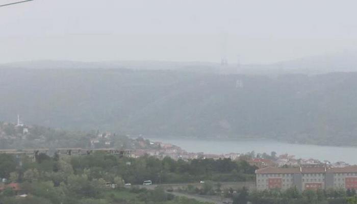 Çöl tozu ve trafik İstanbul'u bu hale getirdi