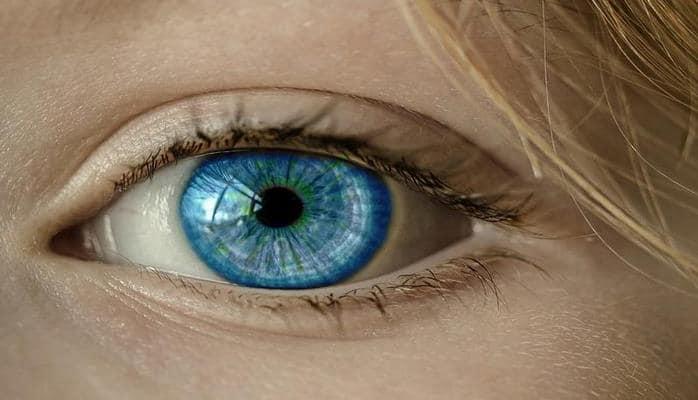 Врачи рассказали, чем опасен «дергающийся» глаз