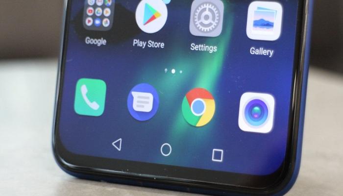 """""""Huawei"""" smartfonları """"Android""""lə işləməyə davam edəcək"""