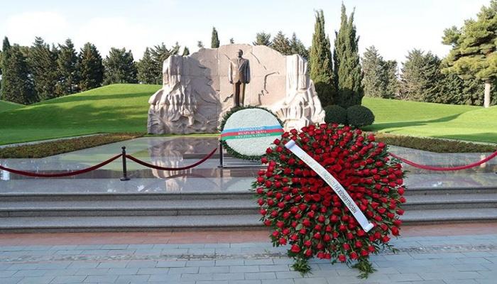 Коллектив СГБ Азербайджана почтил память великого лидера Гейдара Алиева в Аллее почетного захоронения