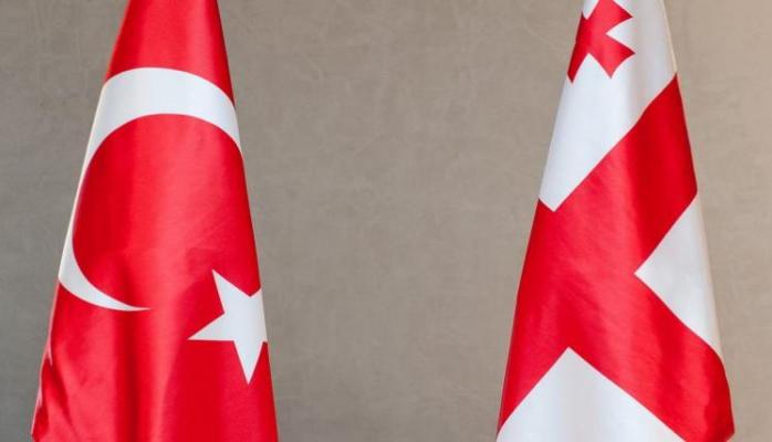 Türkiyə ilə Gürcüstan sadələşdirilmiş gömrük xətti yaradacaq