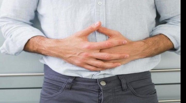 Дискомфорт в животе и усталость: названы ранние признаки рака кишечника