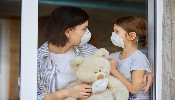 Uşaqlarda koronavirusun hansı simptomlarından valideynlər xəbərdar olmalıdır