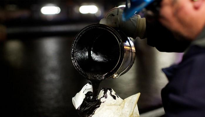 """""""Bloomberg"""": Dünyada neftin qiymətini üç nəfər müəyyən edir"""