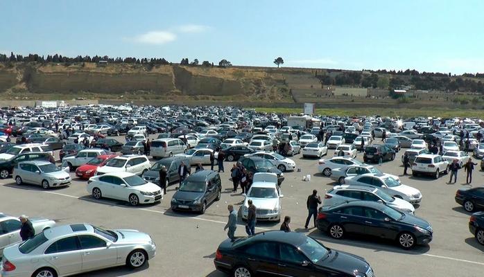 """Maşın bazarında vəziyyət - """"Kia Rio"""" 17 min, """"Opel Astra"""" 12 min AZN"""