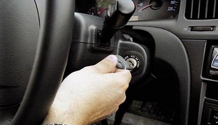 Почему на автомобиле нельзя ехать сразу после запуска мотора?