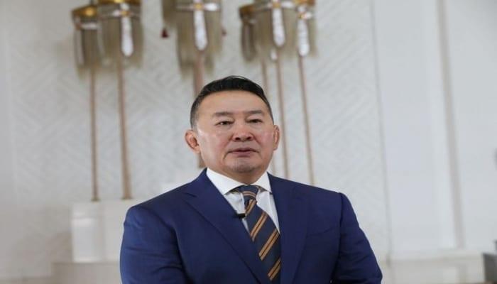 Президент Монголии помещен на карантин