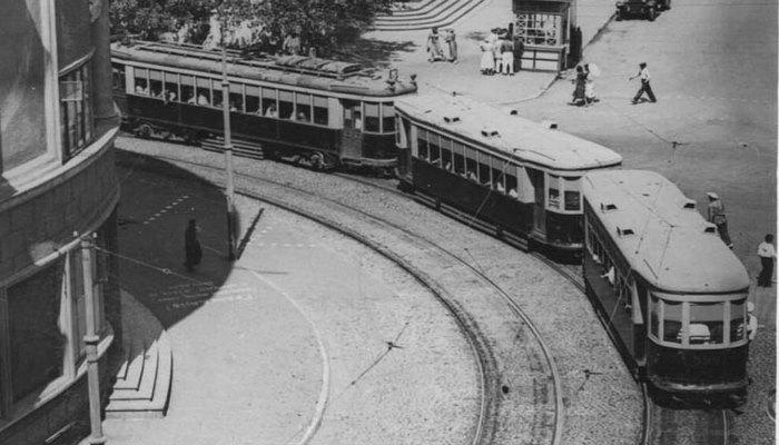 Уникальные фото трехвагонных трамваев на улицах Баку 1930-1940-х гг.