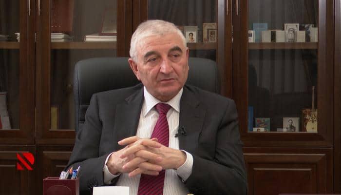 """Məzahir Pənahov: """"Hərəsi bir telefonu əlinə alıb, komissiya üzvlərini yoxlayırlar"""""""