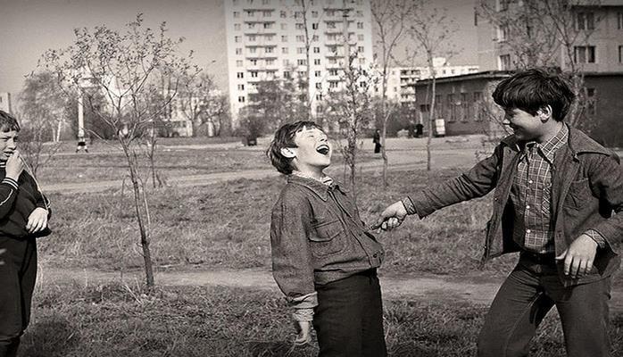 Чем развлекали себя советские дети?