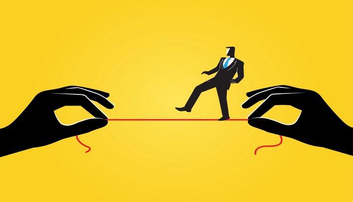 Negatif Enerjili İnsanlarla Başa Çıkmanın 10 Stratejik Yolu