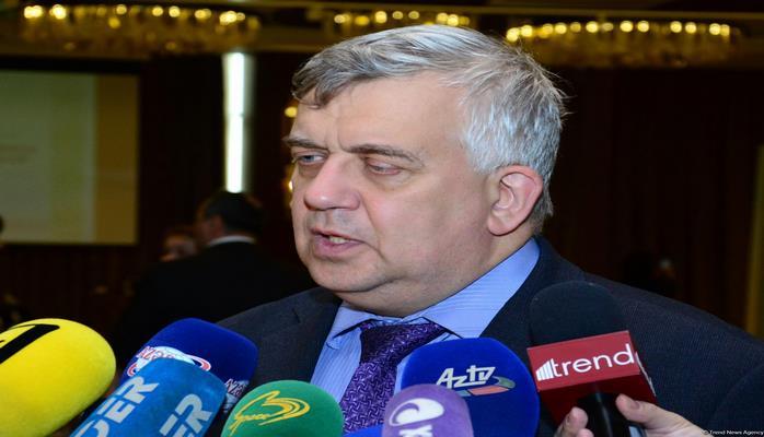 Oleq Kuznetsov: Ermənistan getdikcə daha çox absurd ölkəsinə çevrilir