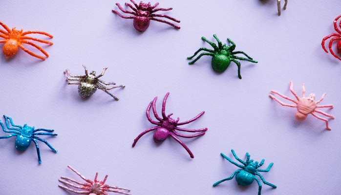 «Такое чувство, что по коже ползают насекомые»: что такое формикация