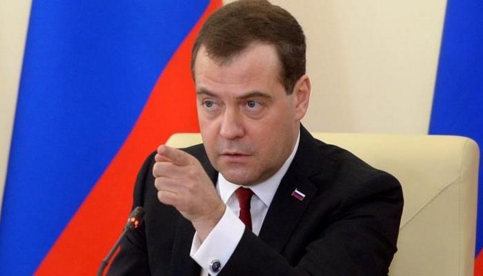 Medvedev erməni generalı biabır etdı: Tövsiyə edirəm ki...