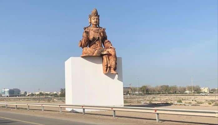 На родине ислама установили 10-метрового Будду