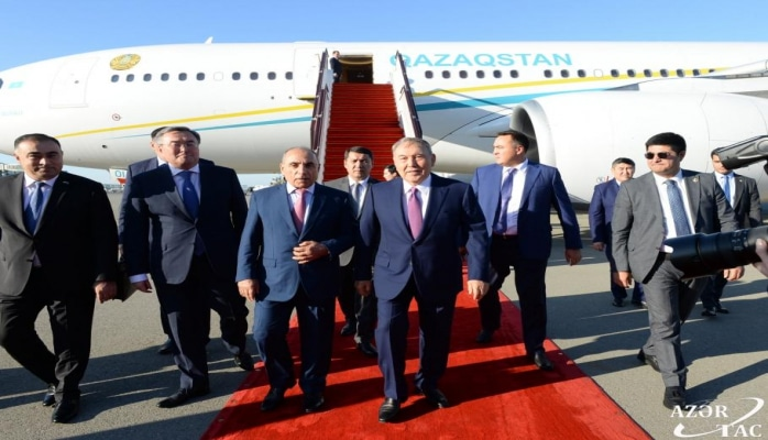 Первый президент Казахстана Нурсултан Назарбаев прибыл в Азербайджан