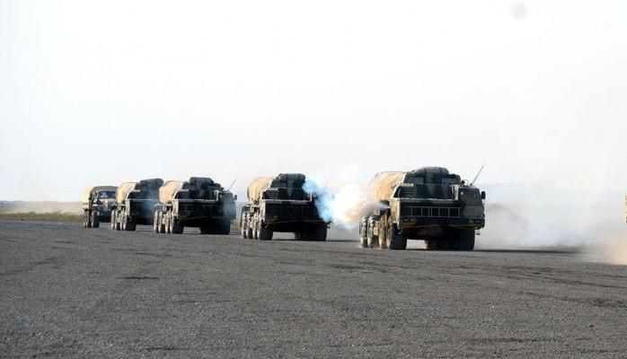 Azərbaycan Ordusunun raket və artilleriya bölmələri döyüş atışları icra edib
