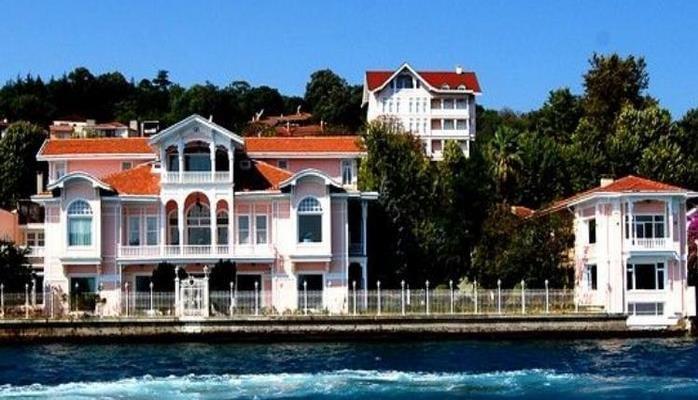 Azərbaycanlı zənginlər Bosfor sahillərində tarixi villalar alır