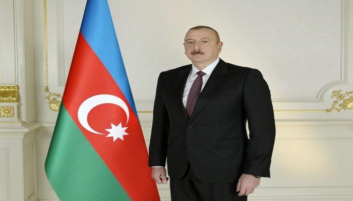 Azerbaycan Cumhurbaşkanı Aliyev: Ateşkesi isteyen ülkeler neden Ermenistan'a silah gönderiyor?