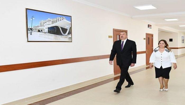 Президент ознакомился с состоянием школы №101 в Сураханском районе