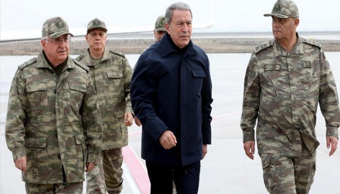 Türkiyəli generallar Suriya sərhədinə yollandı