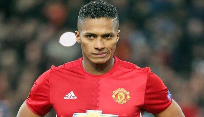 """Antonio Valensiya """"Mançester Yunayted""""in əsas kapitanı olacaq"""