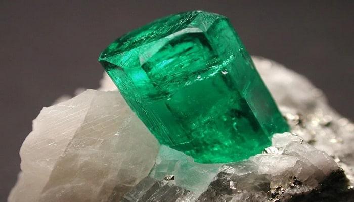 Daş yığmaq vaxtı: qiymətli mineralların çıxarılması tarixi