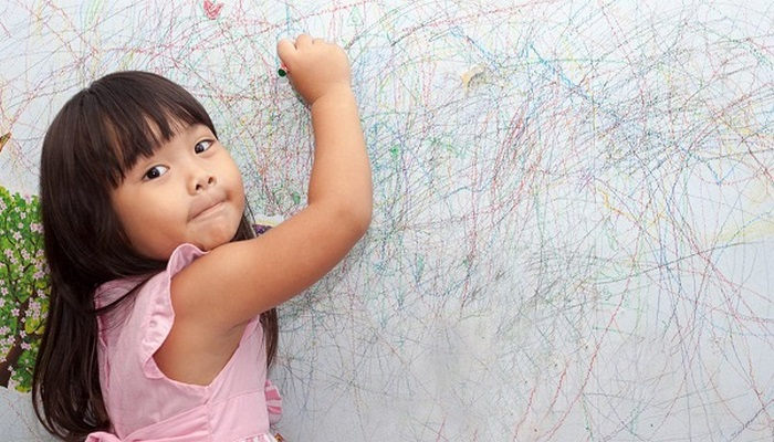Pastel boya lekesi duvardan nasıl çıkar?